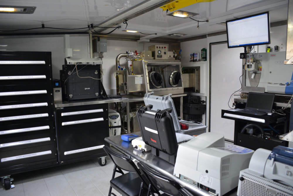 Liberečtí chemici mají mobilní laboratoř vybavenou nejmodernější technologií z USA