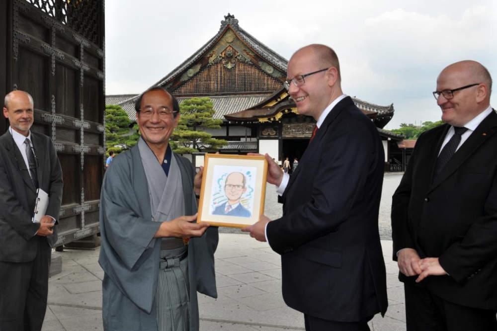 Čeští vědci s Japonci spolupracují na výzkumu nádorů mozku