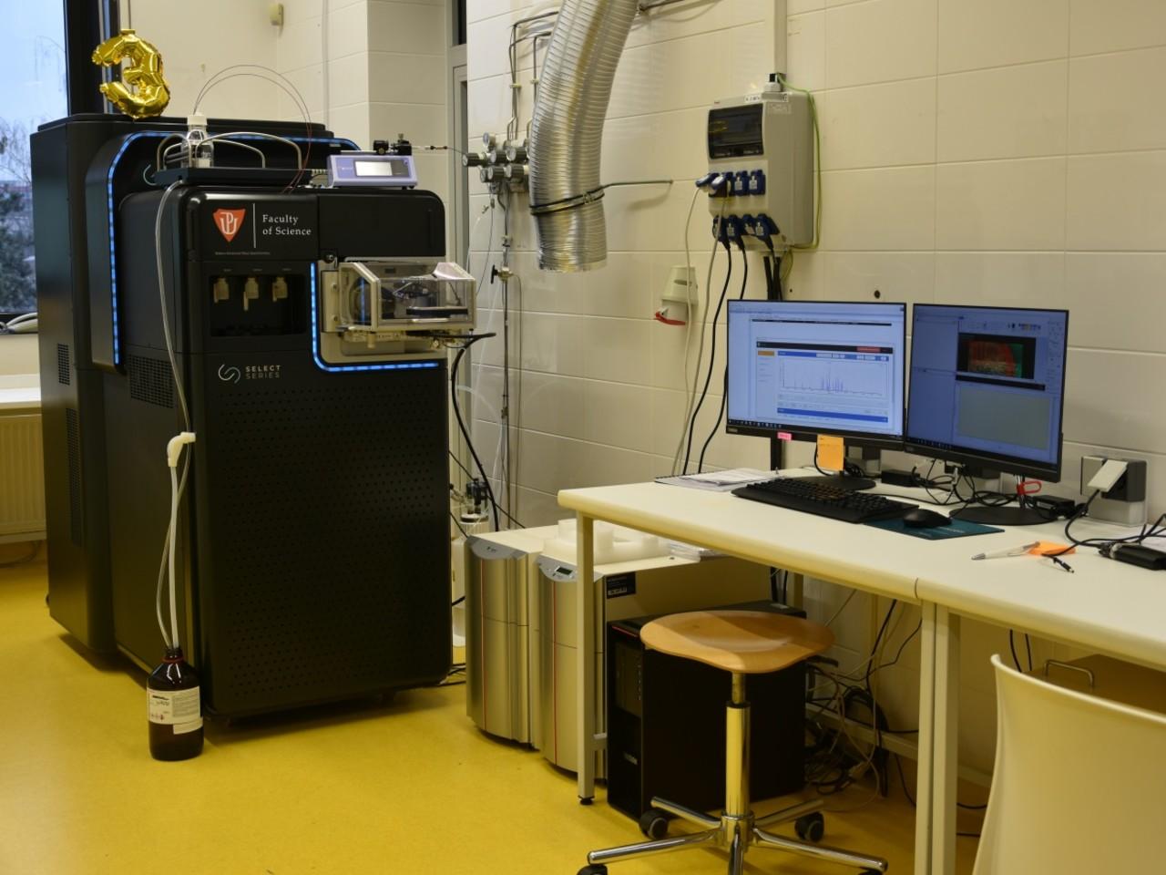 UPOL: Přírodovědecká fakulta pořídila v roce 2019 špičkový vysokorozlišující hmotnostní spektrometr