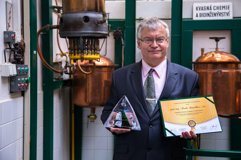 VŠCHT Praha: Nejlepší pivo je to, které si uvařím sám, říká prof. Pavel Dostálek