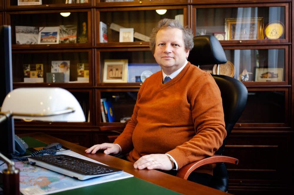 Prodlužování studia nechceme, říká rektor Matějka