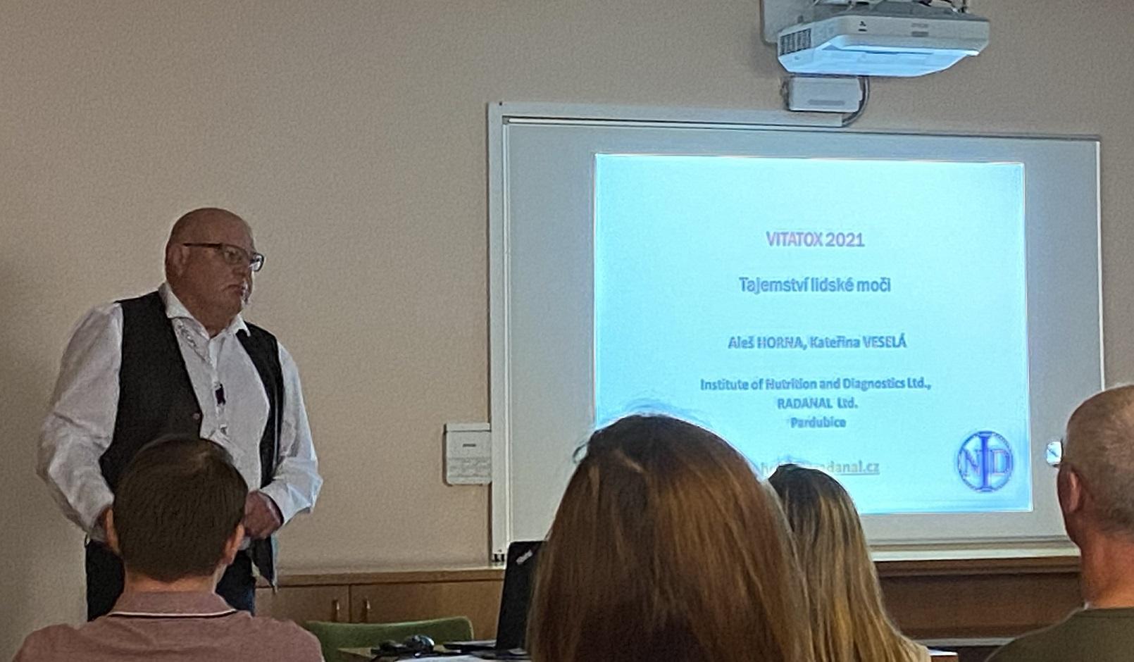 Vitatox 2021: Tajemství lidské moči (doc. Ing. Aleš Horna, CSc.)