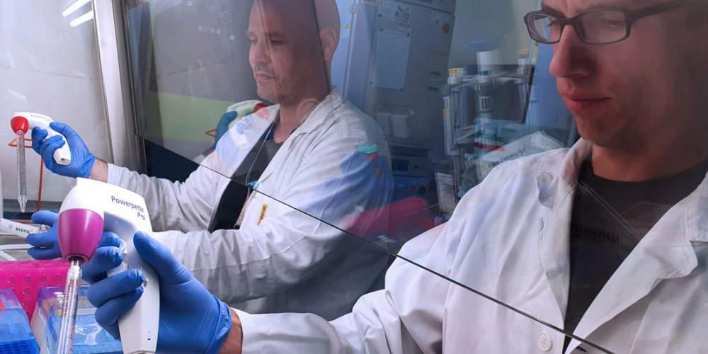 Jak zlepšit léčbu rakoviny? V Ostravě vymýšlejí, jak ji zlevnit a ušít lidem na míru