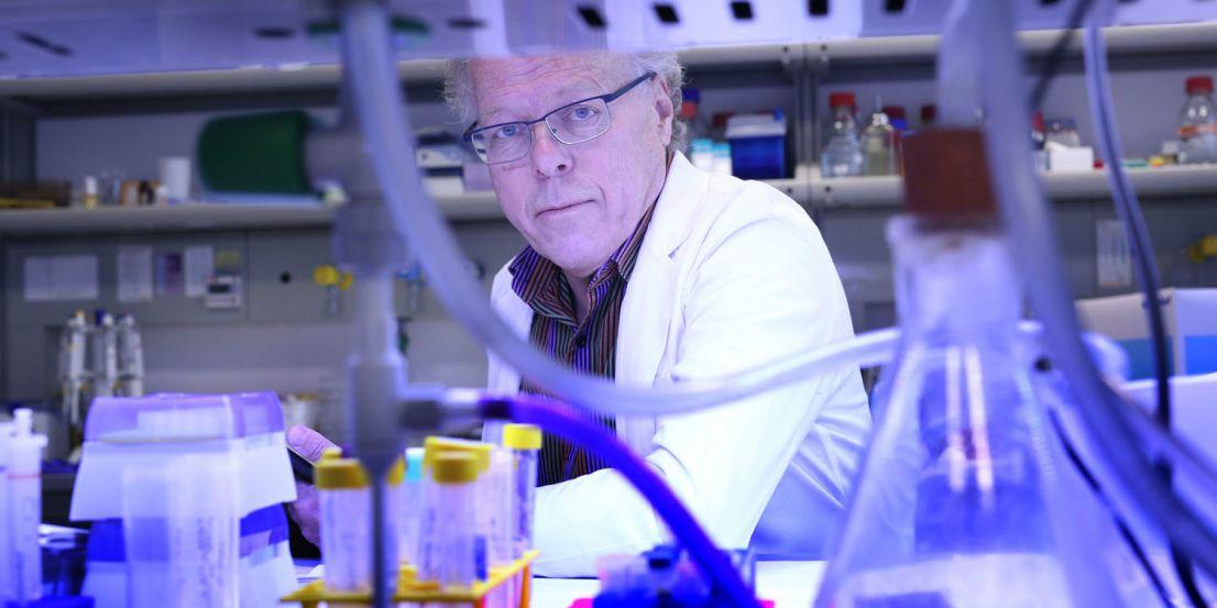 Universitas/Biocev: Jiří Neužil z Laboratoře molekulární terapie Biotechnologického ústavu AV ČR