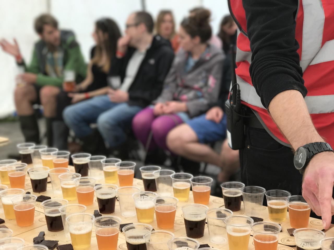 Pixabay/David Greenwood-Haigh: Možnosti využití moderních metod přípravy vzorků pro plynově chromatografické analýzy při analýze nápojů a zejména piva.
