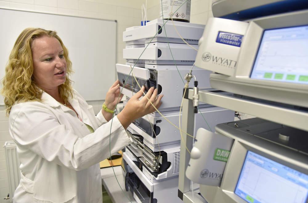 Vytvářet nové biomateriály je jako skládat puzzle, říká Lucy Vojtová