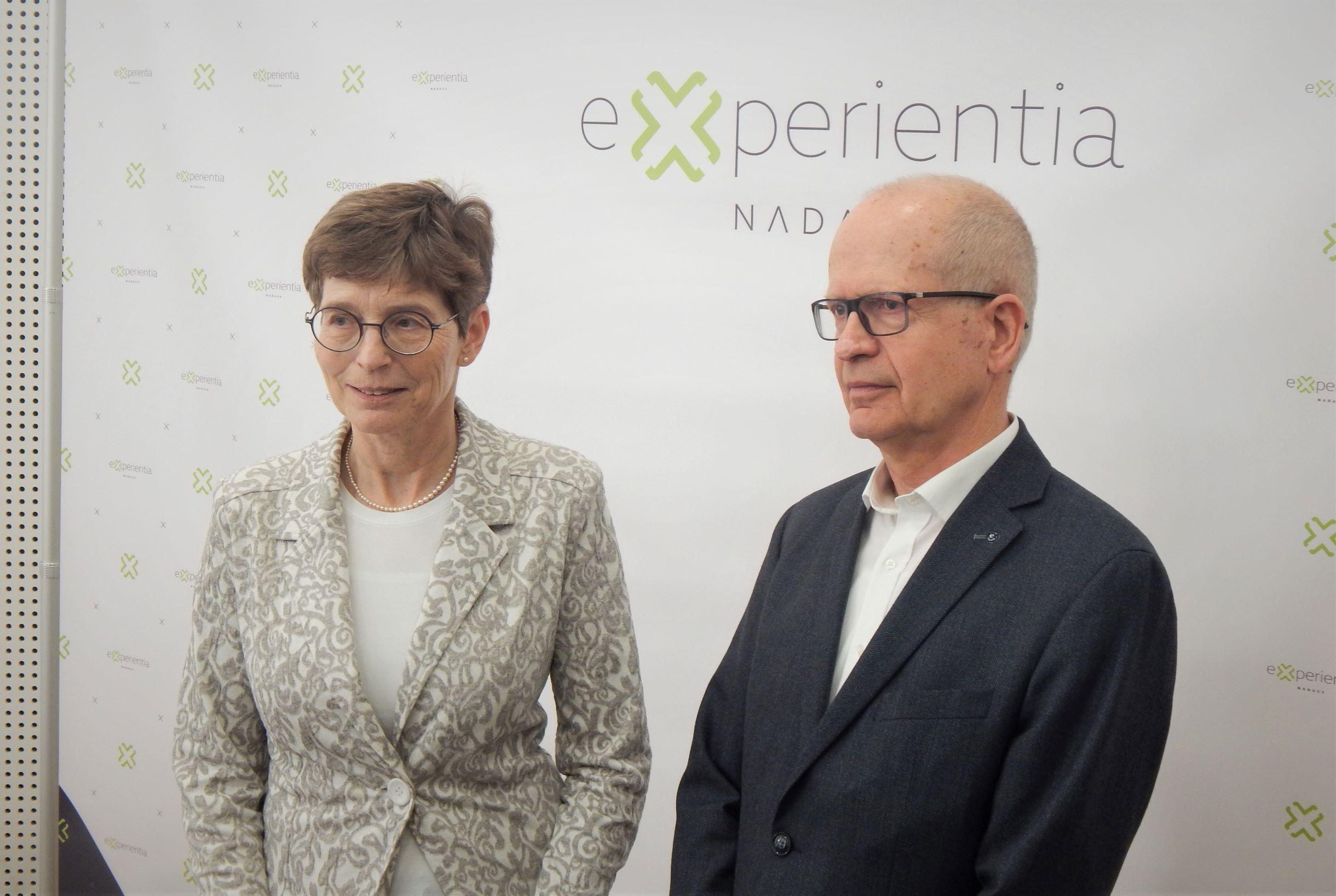 Vědavýzkum: Nadace Experientia - manželé Hana a Dalimil Dvořákovi.