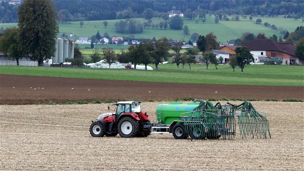 V zemědělských půdách se často vyskytují koktejly ze zbytků pesticidů