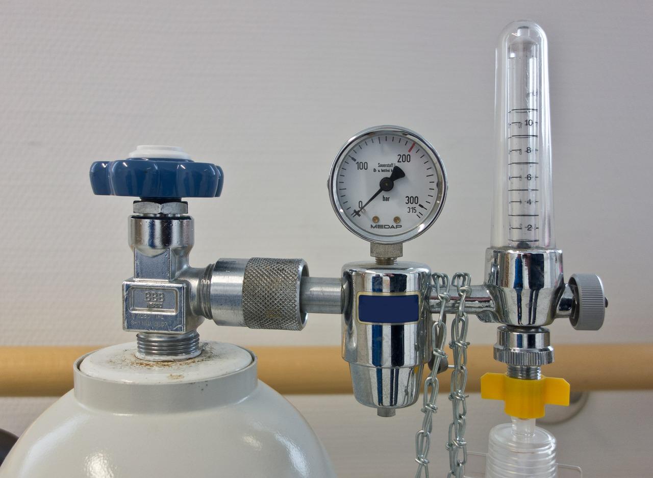Pixabay/Michael Schwarzenberger: Nosný plyn v plynové chromatografii - helium a vodík