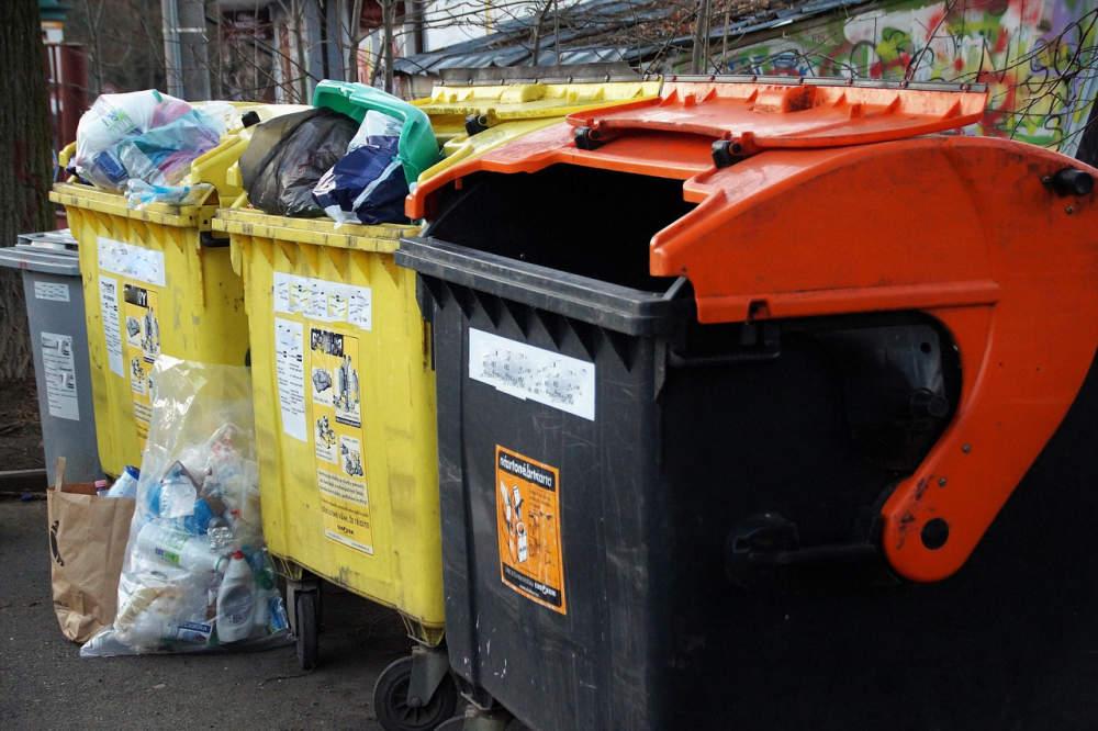 DOBA PLASTOVÁ: I plast ze směsného odpadu se dá recyklovat. Poslouží jako 'dřevo', které nehnije