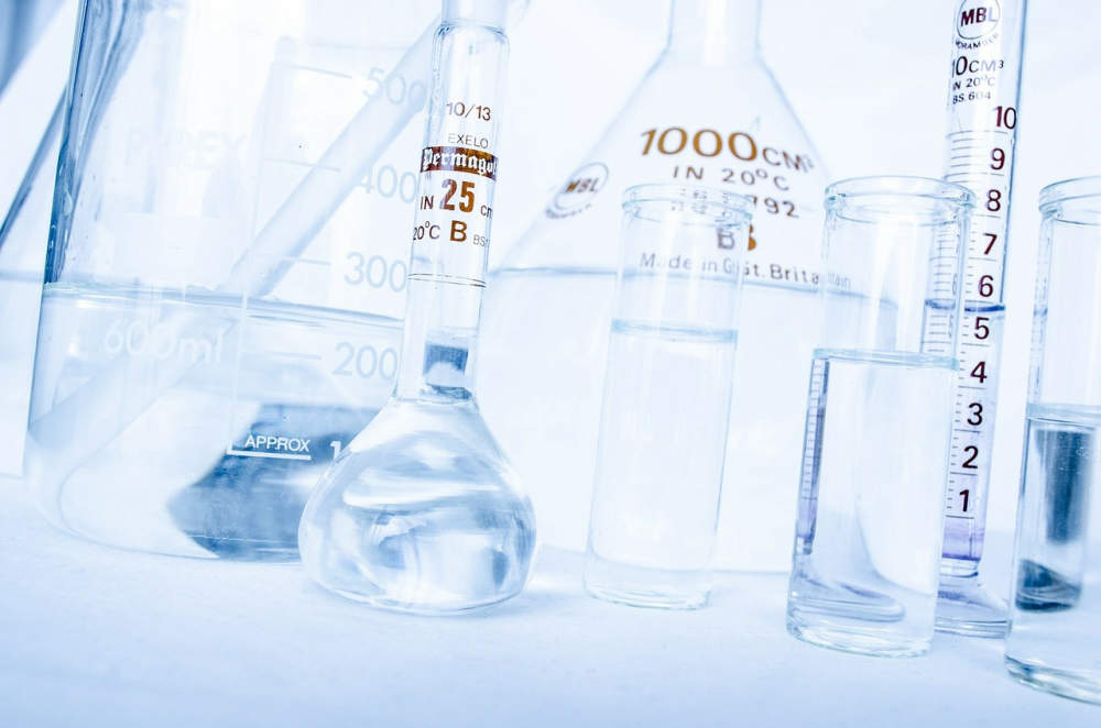 Národní referenční laboratoř získala nové pomocníky pro odhalování škodlivin
