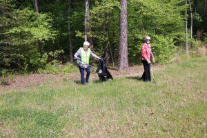 Lakewood Senior Living plant trees to recognize Arbor Day 5