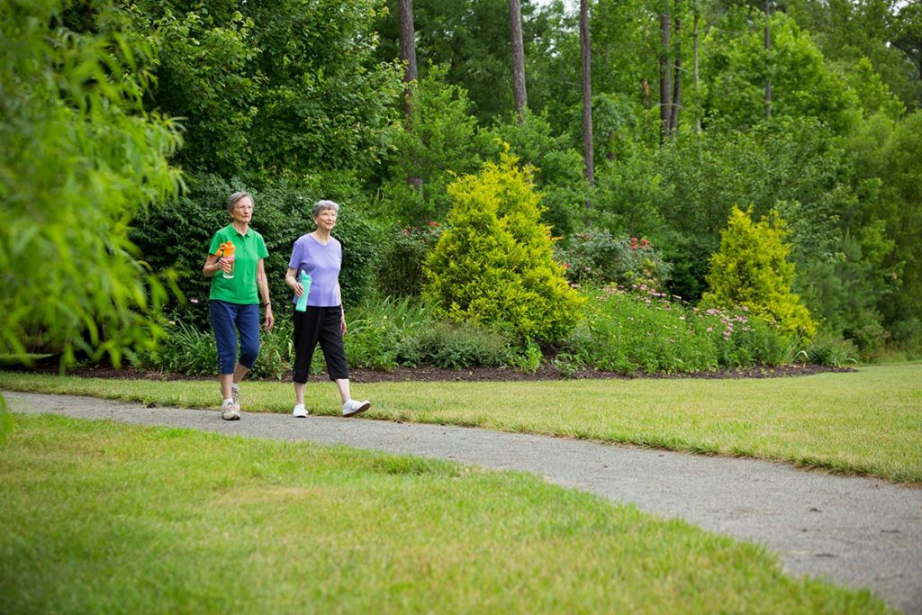 Outdoor Walking at Lakewood Senior Living