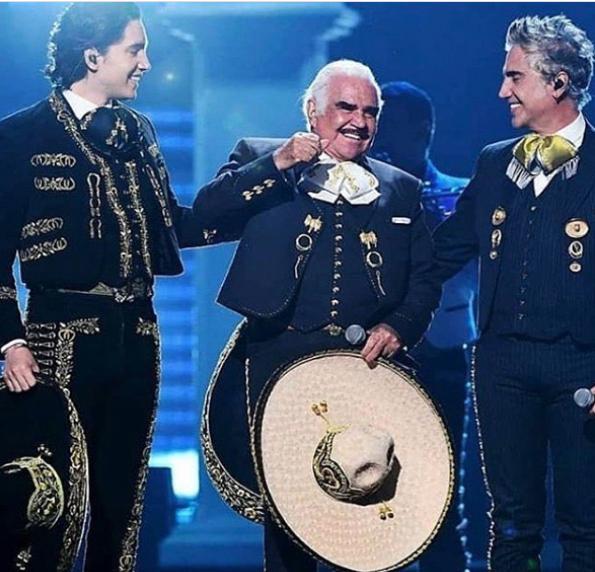 Vicente Fernández, Alex Fernández y su nieto