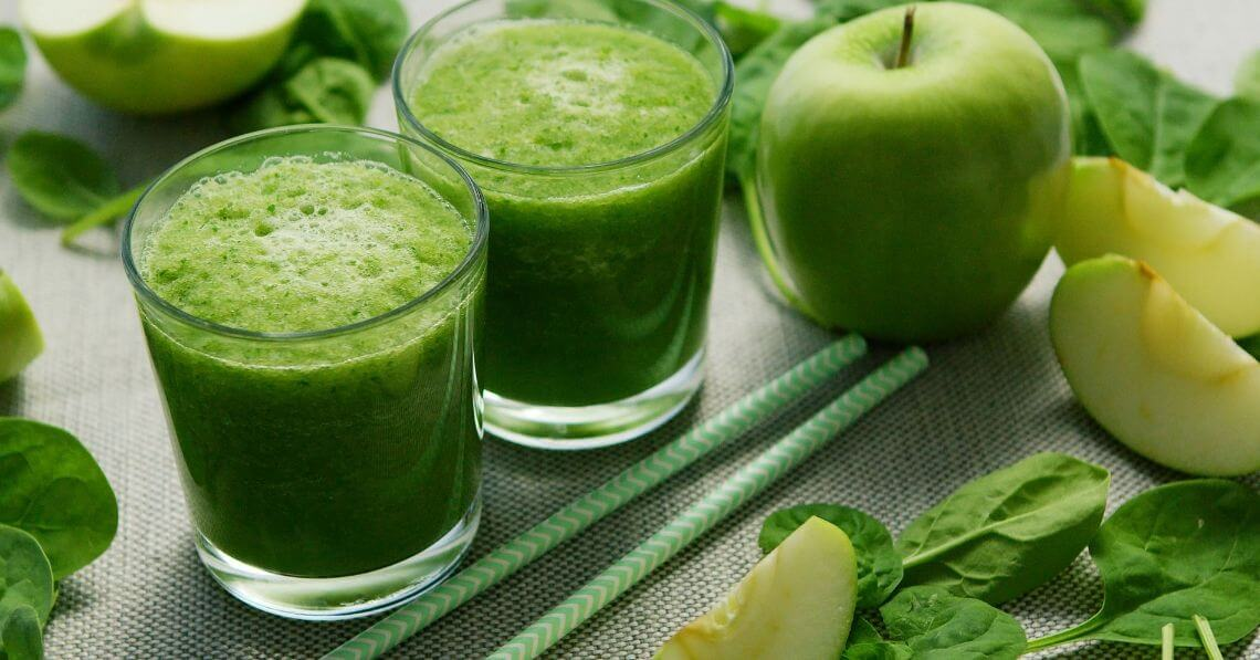 Green apples smoothie