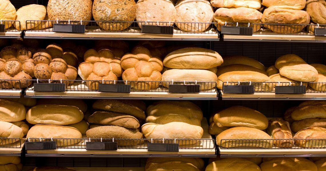 Different breads on shelves