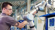 Thumb mensch maschine kollaboration kollaborierende roboter hofmann banner