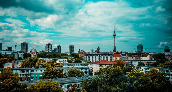 Verbessert die deutsche Bundesregierung die IT-Sicherheit – oder höhlt sie diese aus?