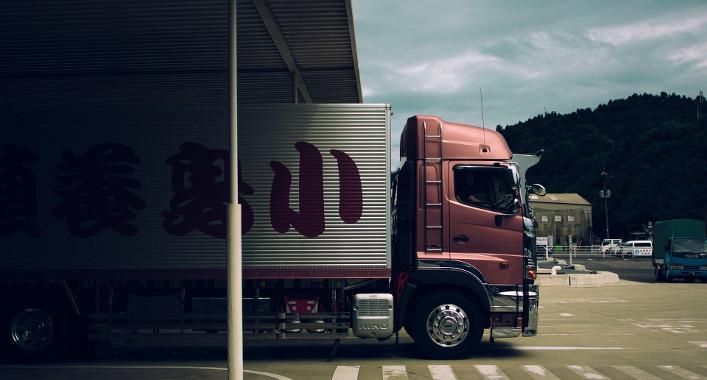 LKW-Fahrer: Mit Zusatzqualifikationen gegen Nachwuchskräftemangel?