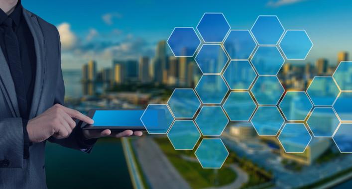 Challenges facing smart cities