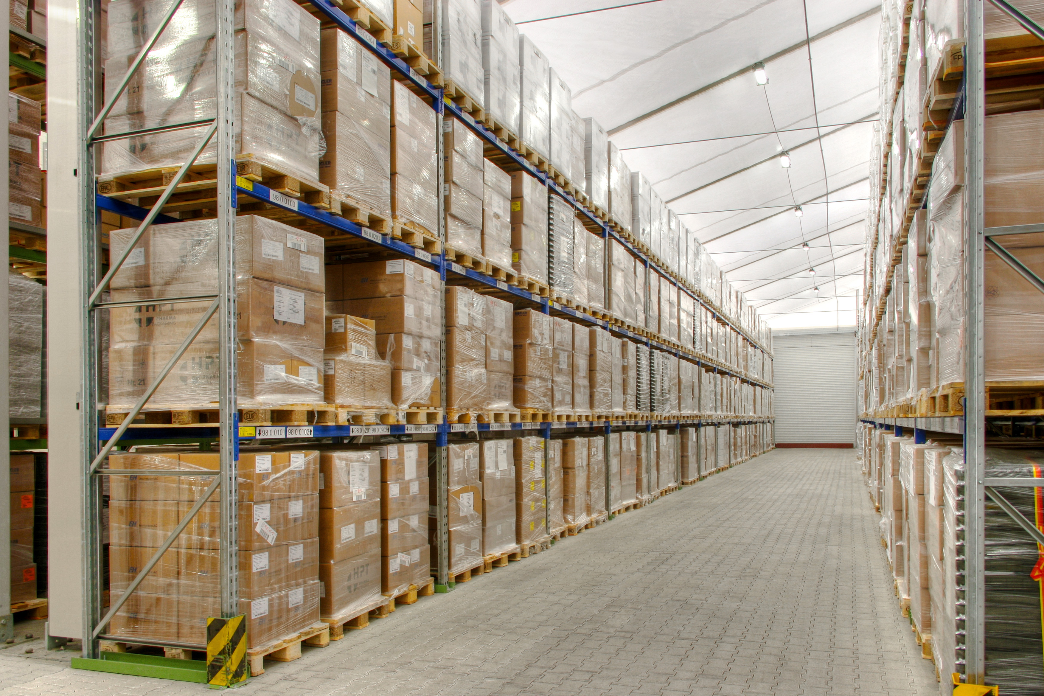 Renting warehouses – a cost-efficient alternative to purchasing