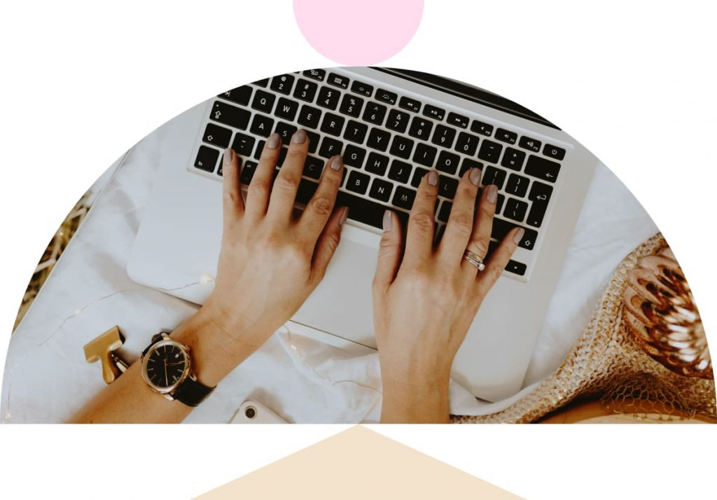 women entrepreneur typing