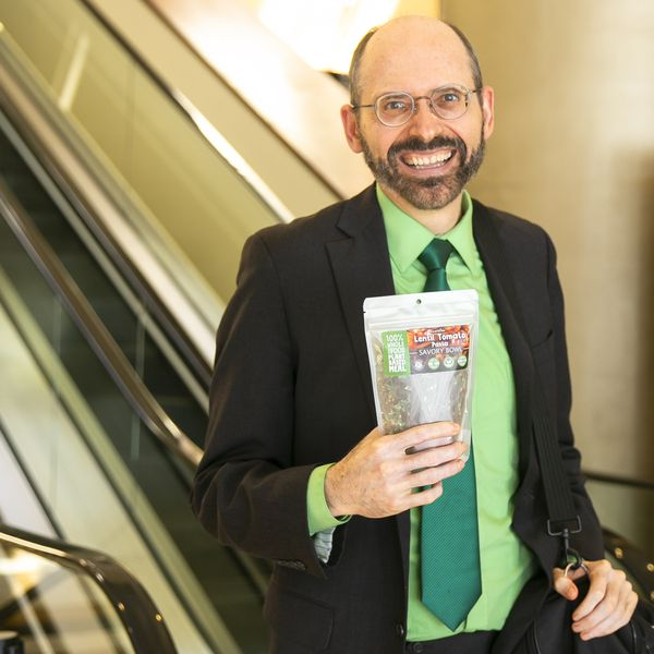 Dr. Greger with a LeafSide meal-pack