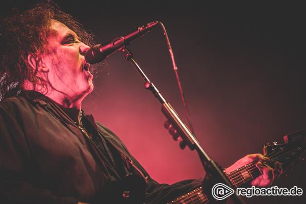 Warum aufhören? - Episch: Fotos von The Cure live in der Festhalle Frankfurt