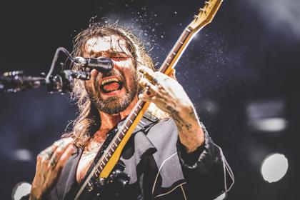 Aus allen Rohren feuern - Biffy Clyro: Explosive Livebilder aus der Festhalle Frankfurt