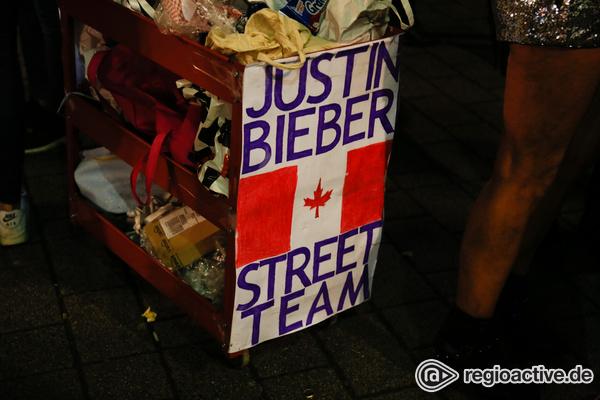 Fanansturm - Impressionen vom Justin Bieber Konzert in der Frankfurter Festhalle
