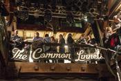 Bilder von The Common Linnets live in der Fabrik in Hamburg