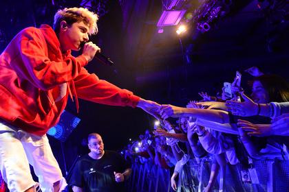 Umschwärmt - Lukas Rieger: Fotos des Teen-Stars live in der halle02 in Heidelberg