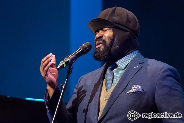 Sänger der warmen Töne - Sinnlich: Livebilder von Gregory Porter im BASF-Feierabendhaus in Ludwigshafen