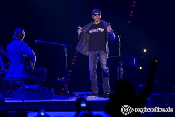 Im Mittelpunkt - Akustisch: Bilder von Xavier Naidoo live in der SAP Arena in Mannheim