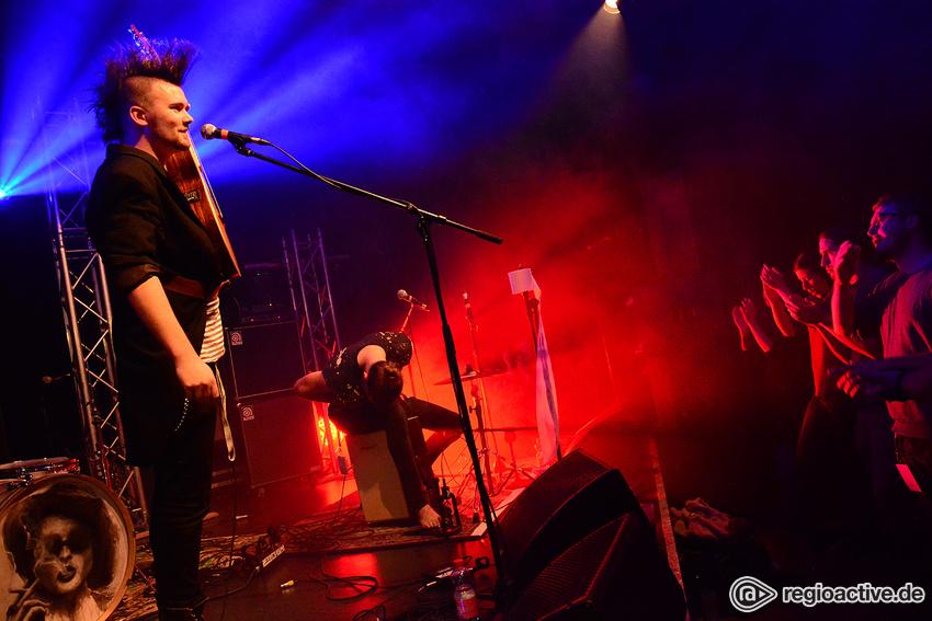 Astra van Nelle & der Lorbeerstorch (live beim Bandsupport Abschlusskonzert in Mannheim, 2016)