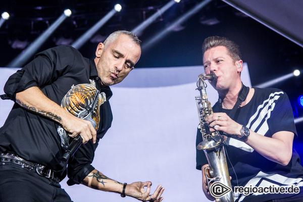 """""""Perfetto""""-Tour - Frauenschwarm: Fotos von Eros Ramazzotti in der Arena Leipzig"""
