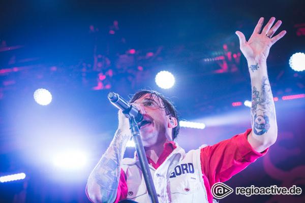 Abendsport - Billy Talent treiben das Publikum in der Frankfurter Festhalle zum Äußersten