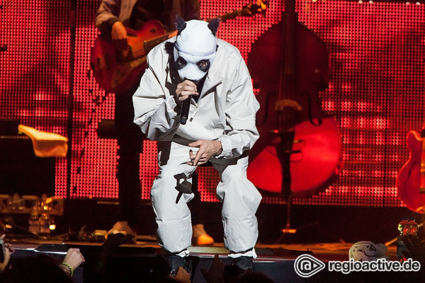Mit Maske, aber anders - Rapper Cro zeigt sich in der Frankfurter Festhalle gereift