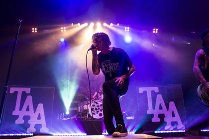 Melodische Härte - Leidend: Bilder von The Amity Affliction live beim Knockdown Festival 2016 in Karlsruhe