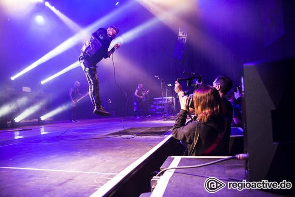Schwarze Herzen - Grob: Bilder von Caliban live beim Knockdown Festival 2016 in Karlsruhe