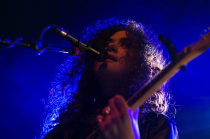 live in concert - Nahbar: Fotos von Sara Hartman live als Support von Clueso in Darmstadt