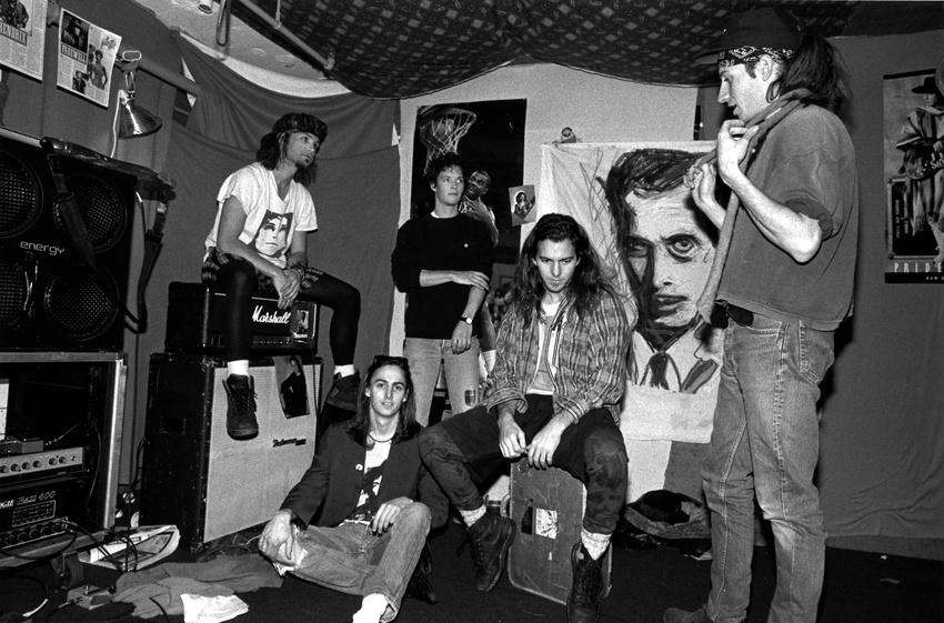 Pearl Jam anno 1991 in ihrem Proberaum