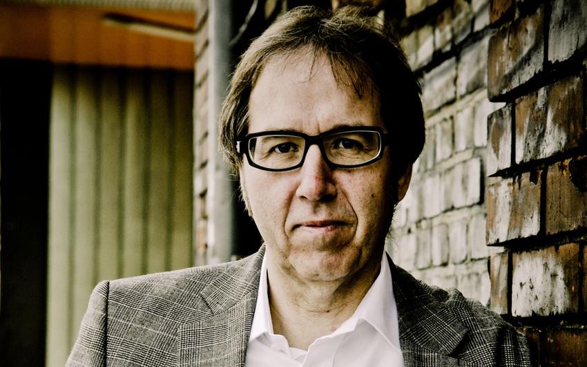 Der Experte: Udo Dahmen ist seit 2003 künstlerischer Direktor und Geschäftsführer der Popakademie Baden-Württemberg. Dahmen war auch als Profi-Schlagzeuger tätig, u.a. bei Kraan, Inga Rumpf, Nina Hagen oder Gianna Nannini. (Fotograf: Horst Hamann)