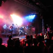 Sänger, Bassist sucht Band oder Mitmusiker (Sänger/in, Gitarrist/in, Schlagzeuger/in)