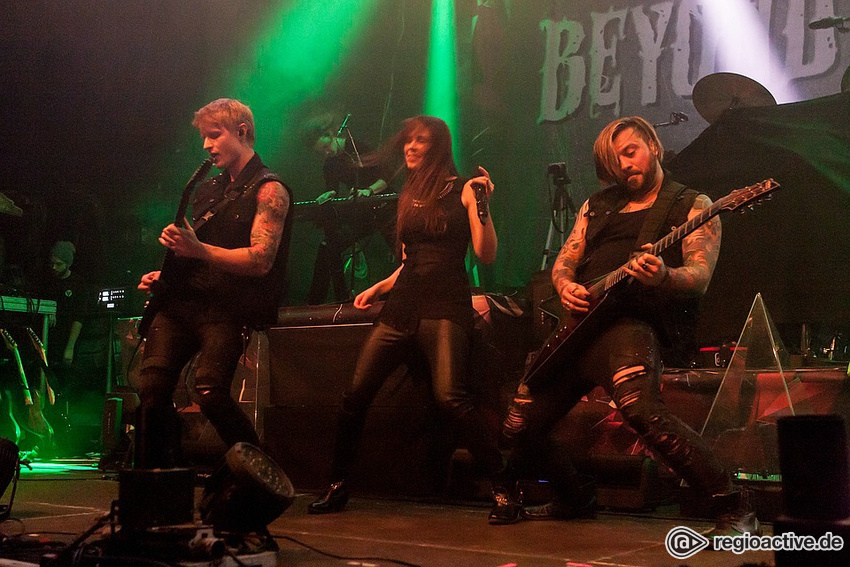 Beyond the Black (Live in Wiesbaden 2017)