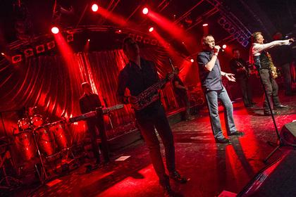 """Das Debüt und mehr - Mit """"Signing Off"""": Live-Fotos von UB40 in der Markthalle Hamburg"""