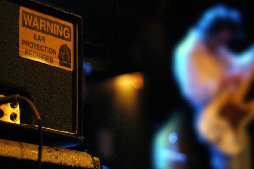 Hörsturz, Tinnitus und andere Schäden vermeiden: Was du als Musiker über Gehörschutz wissen musst!