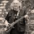 Bassist sucht Mitmusiker (Gitarrist/in)