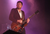 Brüderlich: Fotos der Kings of Leon live in der Barclaycard Arena in Hamburg