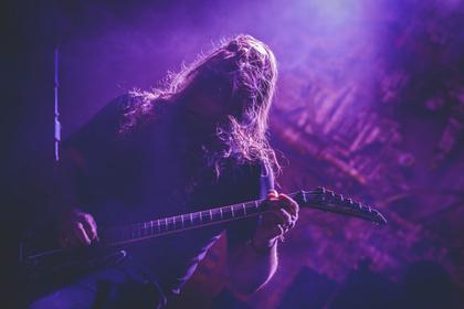 Härte und Hitze - Fotos von Sepultura als Special Guest von Kreator live in Wiesbaden